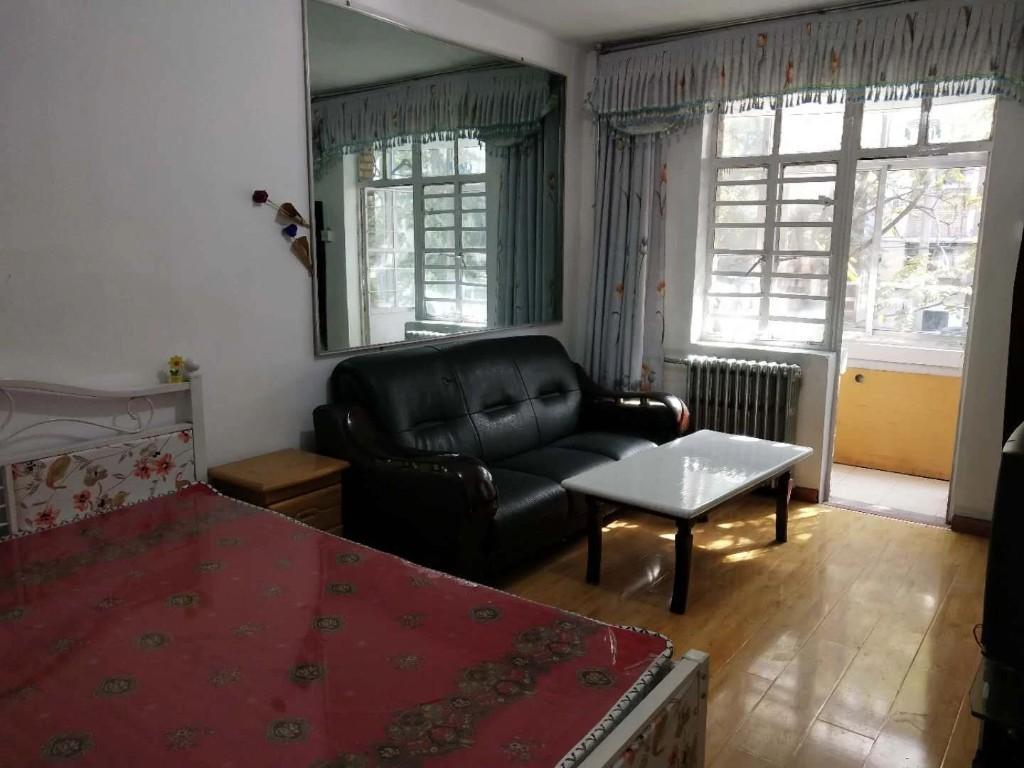 七里河 西站 吉安花园 一室一厅 家具齐全  采
